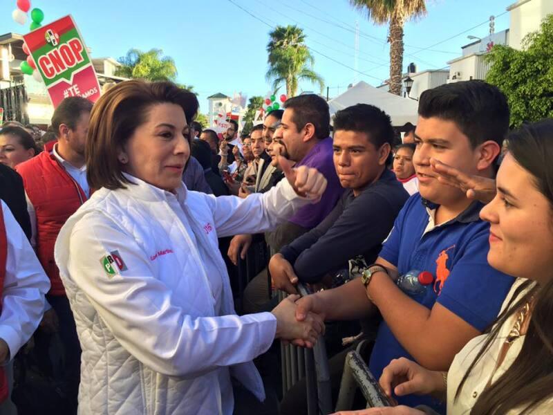 La candidata del PRI reiteró estar en contra de las uniones entre personas del mismo sexo, aunque aseguró que respetará los marcos legales.