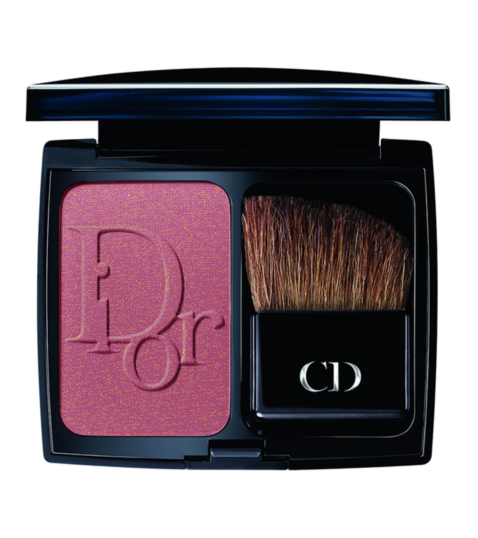 La edición limitada de DiorBlush, en tono Rose Sublime, el emblemático blush de la Maison con textura de polvo que se fusiona con tu piel y es ideal para regalar. El Palacio de Hierro Perisur. Precio en punto de venta.