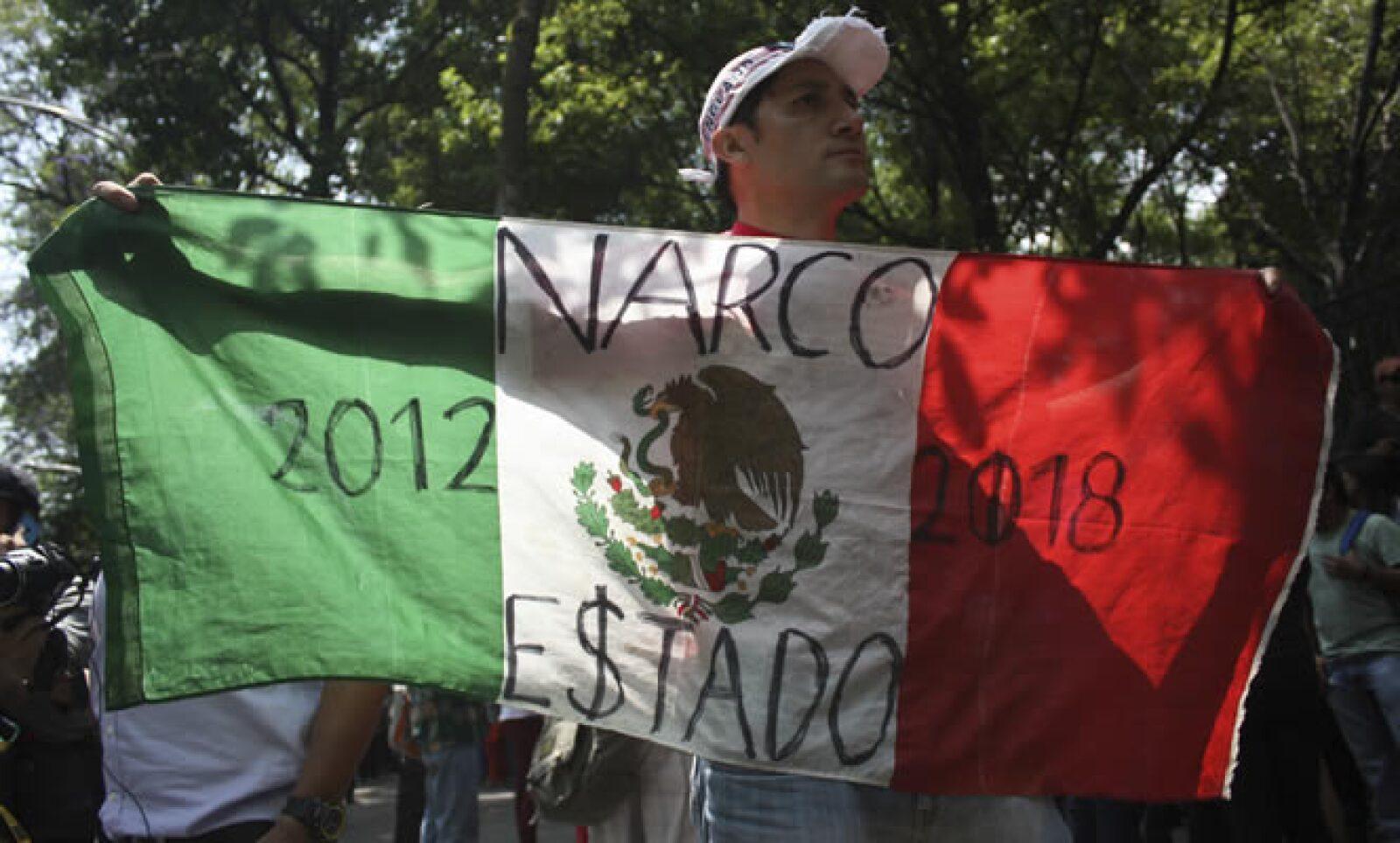 Los asistentes gritaron consignas contra el Gobierno como ¡Fuera Peña! y ¡México sin PRI!