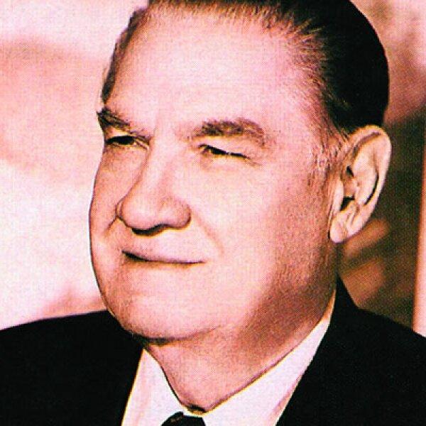 El abuelo de Emilio Azcárraga Jean, fue Emilio Azcágarra Vidaurreta, quien fundó lo que hoy es la industria más grande de entretenimiento en el mundo.