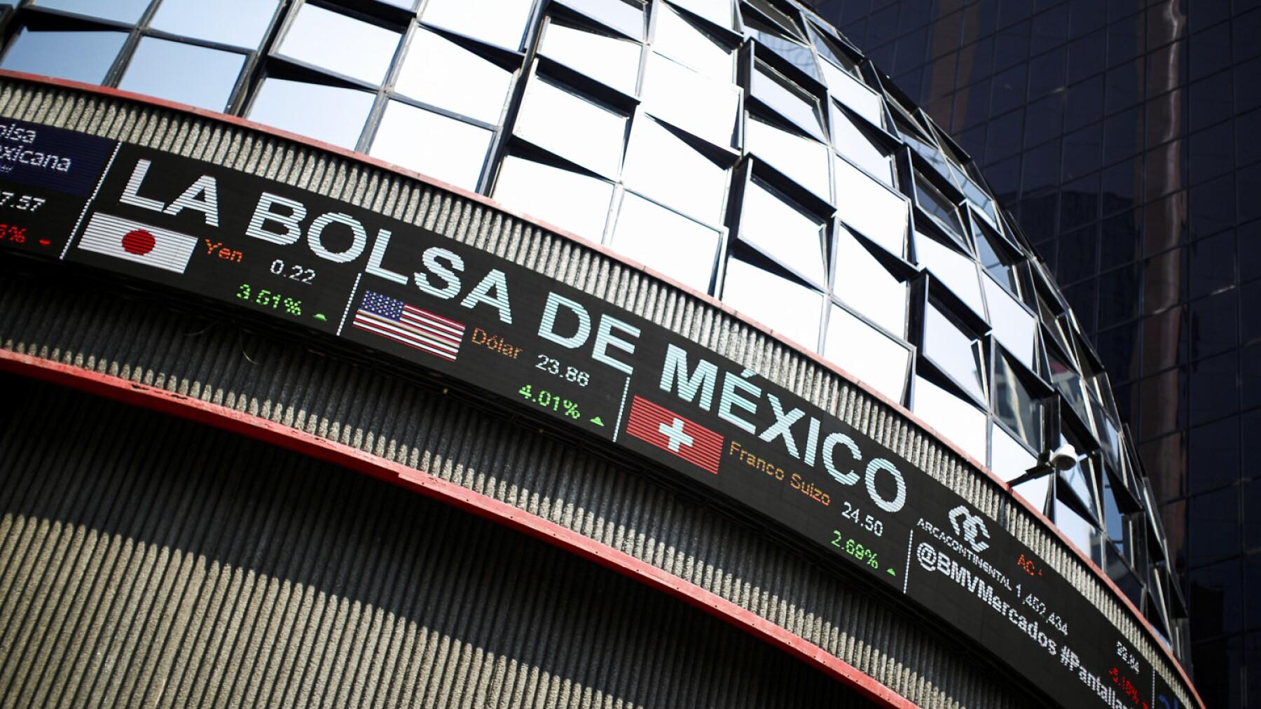 La Bolsa mexicana toca su peor nivel desde 2011 y Wall Street cae 5%