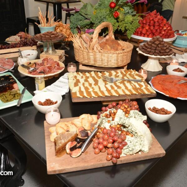 Deliciosa barra de quesos y botanas de la Candelaria Catering