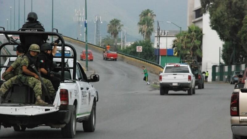 Policías militares realizan rondines de vigilancia en Ciudad Victoria, Tamaulipas, luego de la nueva estrategia de seguridad anunciada por el gobierno federal