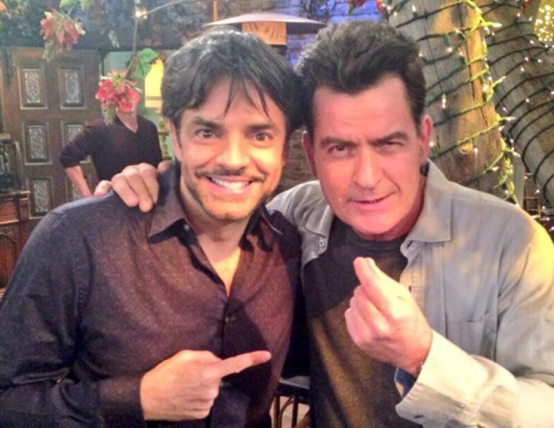 """El mexicano estuvo en el set del programa de la estrella estadounidense, """"Anger Management"""" para grabar una participación especial."""