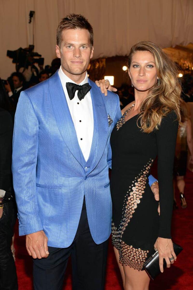 Finalmente el quarterback de los Patriots concluyó de una vez por todas las especulaciones que giran en torno a un supuesto divorcio entre él y la supermodelo brasileña Gisele Bündchen.
