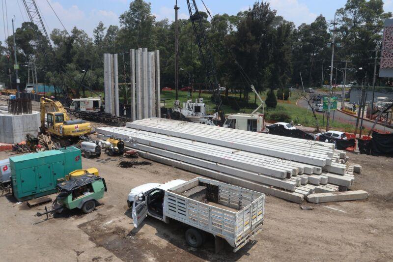 Fachada de las obras construcción del Puente Cuemanco-Periférico