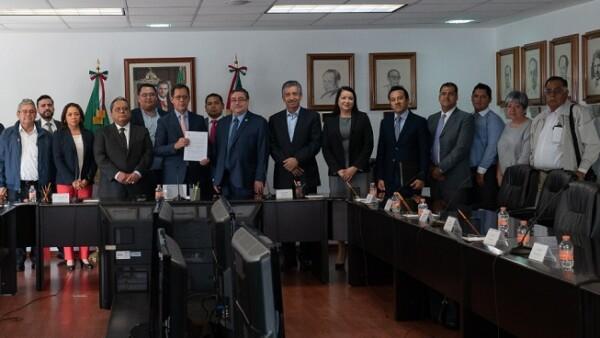 Uni�n Nacional de Sindicatos Mineros, Metal�rgicos y Metalmec�nicos de M�xico recibe su toma de nota