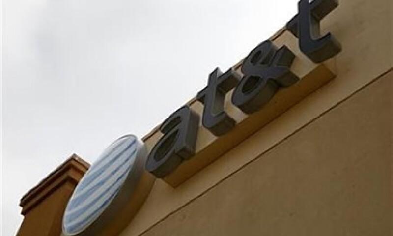 Sus rivales como Sprint Nextel Corp dicen que la fusión perjudicará la competencia. (Foto: Reuters)
