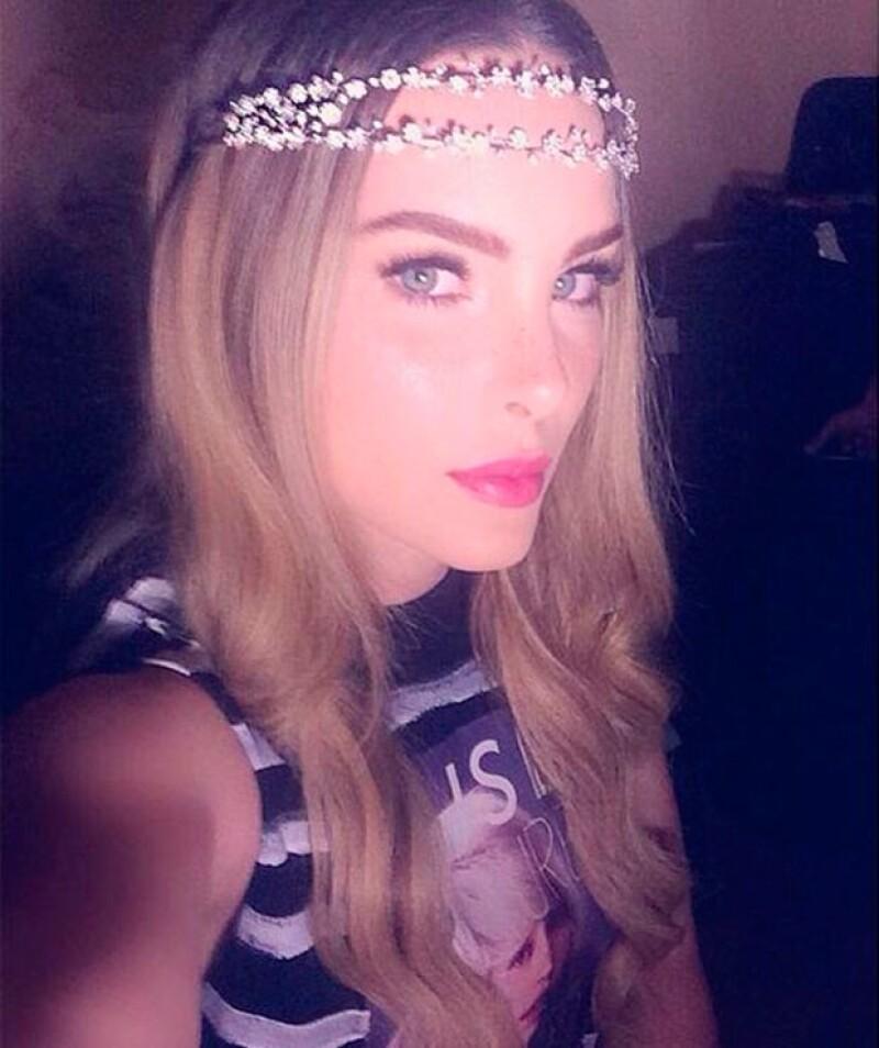 """La cantante publicó en Instagram una romántica fotografía de sus papás junto al texto: """"Yo quiero un amor así""""."""