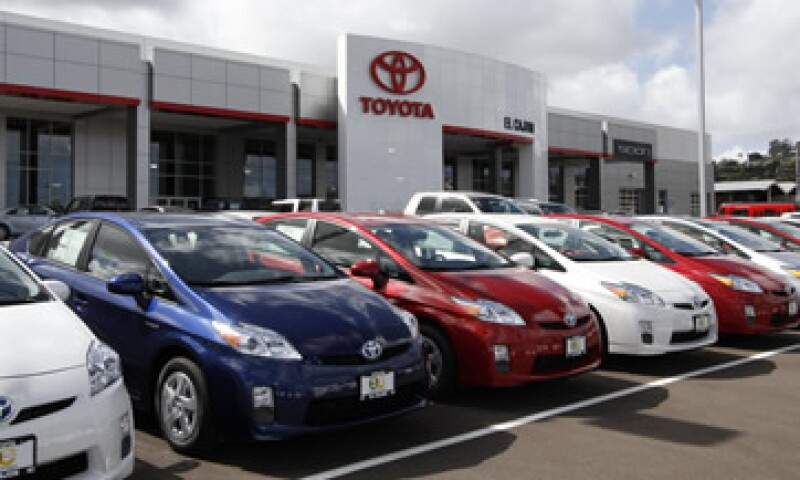 El modelo Prius es un automóvil híbrido eléctrico y de gasolina. (Foto: AP)
