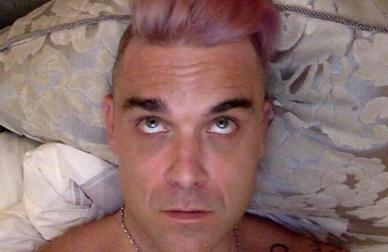El cantante comparó su experimento de tinte de pelo con el cambio de sexo del padrastro de Kim Kardashian, lo que hizo que muchos lo tacharan de irrespetuoso.