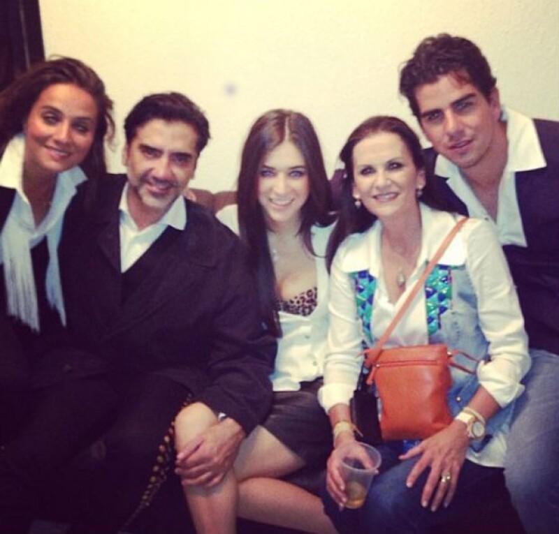 La modelo estuvo entre el público asistente al palenque de Alejandro Fernández en San Luis Potosí acompañada de Natalia Esponda y el empresario Alejandro Valladares.
