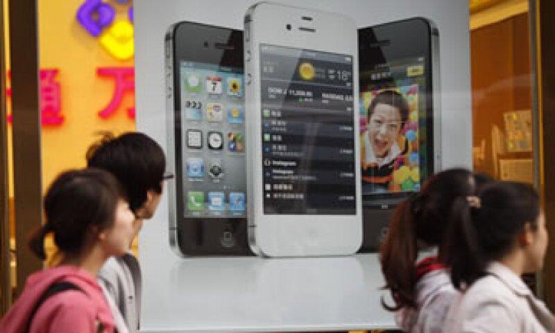 Apple ha estado en conversaciones para una alianza con China Mobile por cuatro años. (Foto: AP)