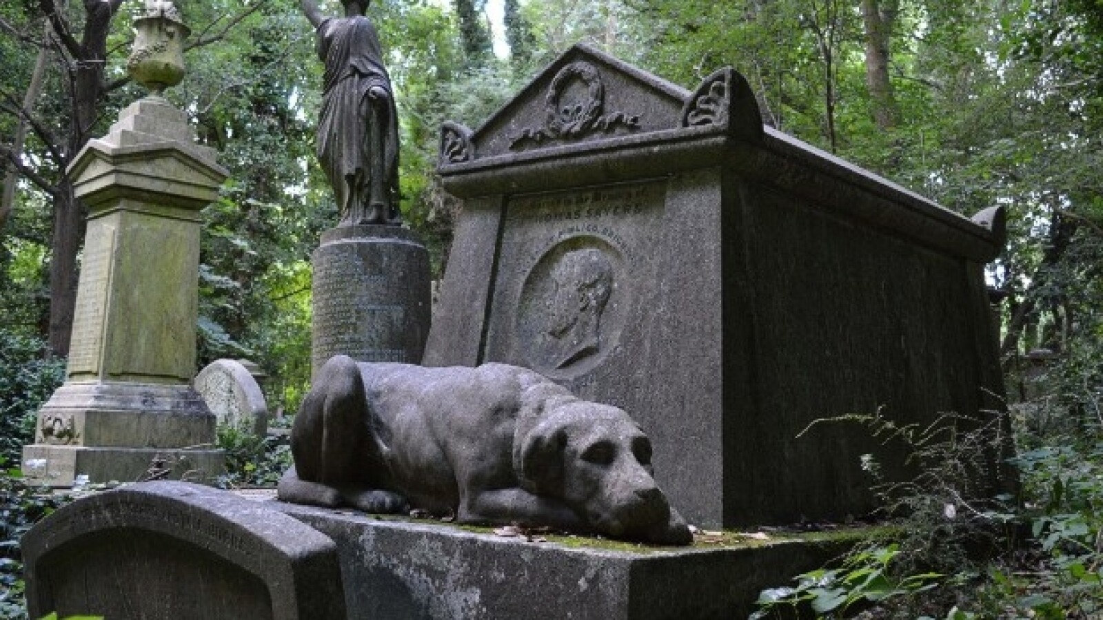 Highgate Cemetery Tom Syers