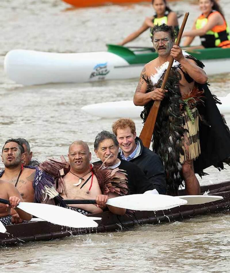 Harry se dijo agradecido con la oportunidad de remar con los guerreros.