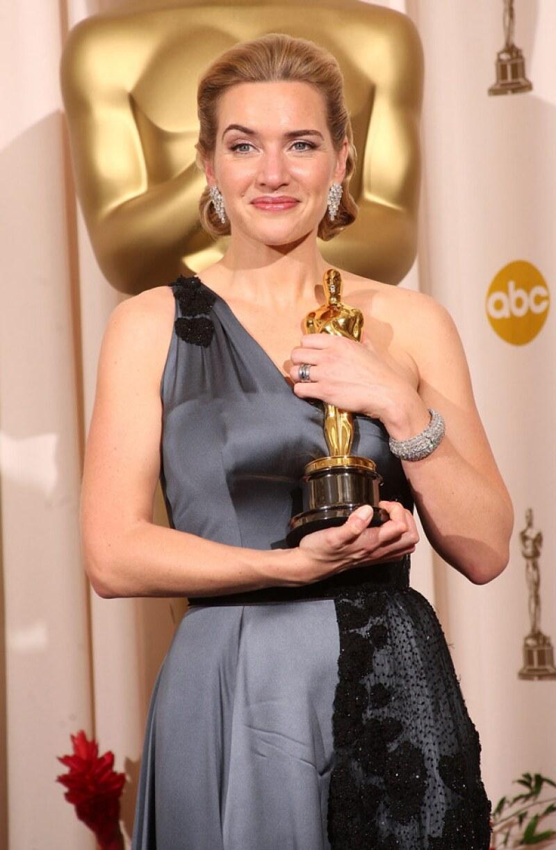 """Para que sus visitantes puedan """"conocer y tocar"""" el premio, la actriz decidió colocarlo en un lugar muy especial."""