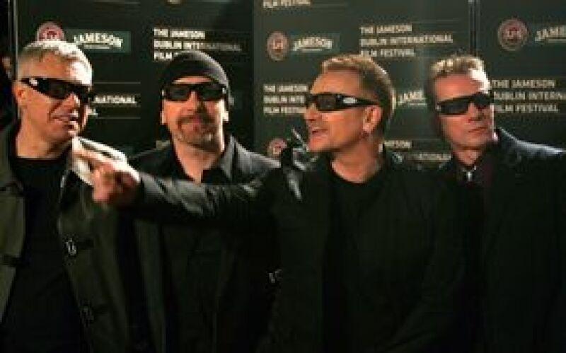 """El grupo irlandés fue acusado por el artista Taylor Deupree, al considerar que la portada de uno de sus discos es similar a la del nuevo lanzamiento del cuarteto titulado """"No line on the horizon""""."""