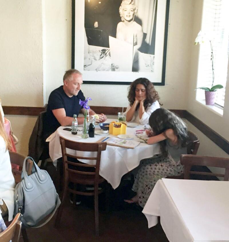 La actriz mexicana disfrutó descansar de su ajetreada rutina en Estados Unidos, en donde estuvo acompañada de su esposo y su hija.