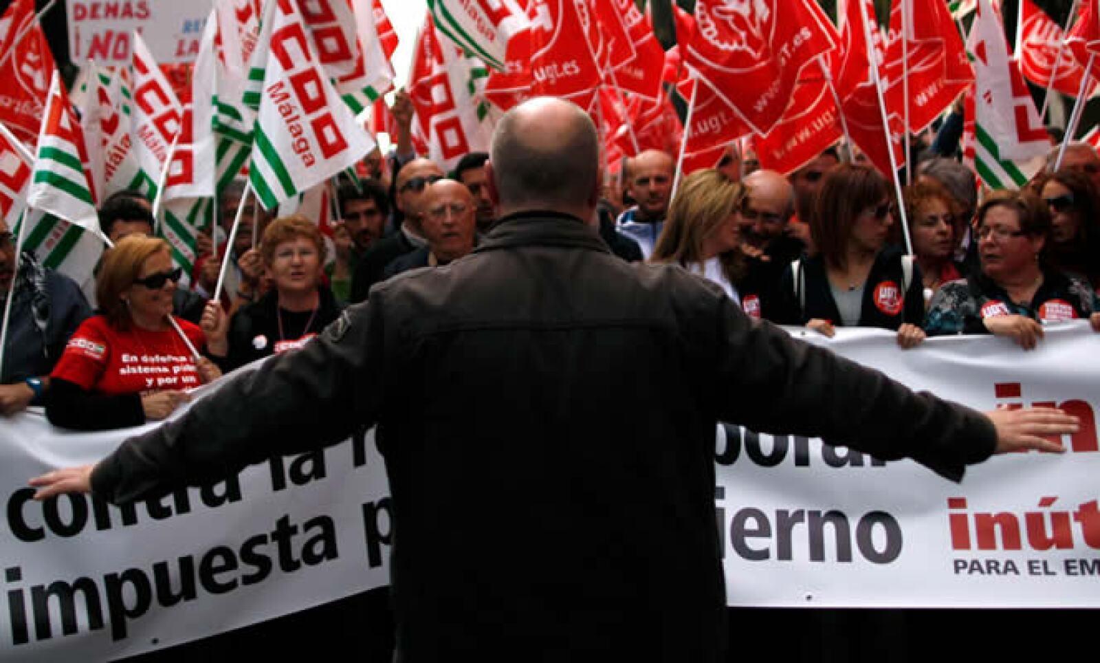 Los trabajadores protestan contra las reformas laborales que implementó el Gobierno de Mariano Rajoy.
