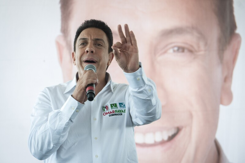 El candidato del PRI a gobernador de Hidalgo, Omar Fayad, planteó compromisos de corto plazo en materia de salud, empleo y educación.