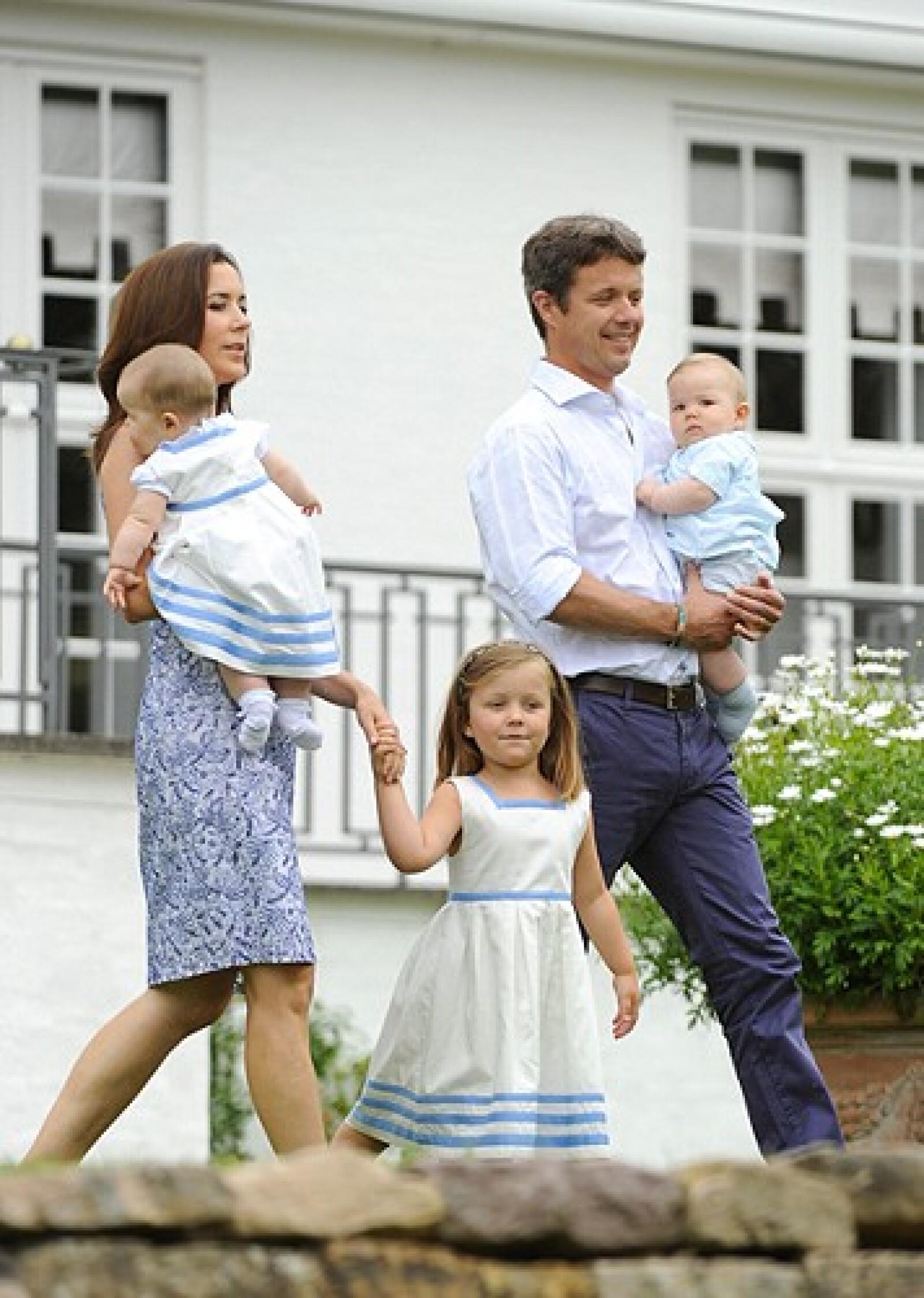 Federico de Dinamarca tiene 4 hijos.