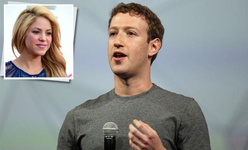 En su visita por tierras colombianas, el fundador de Facebook confiesa ser un gran fan de la cantante latina.