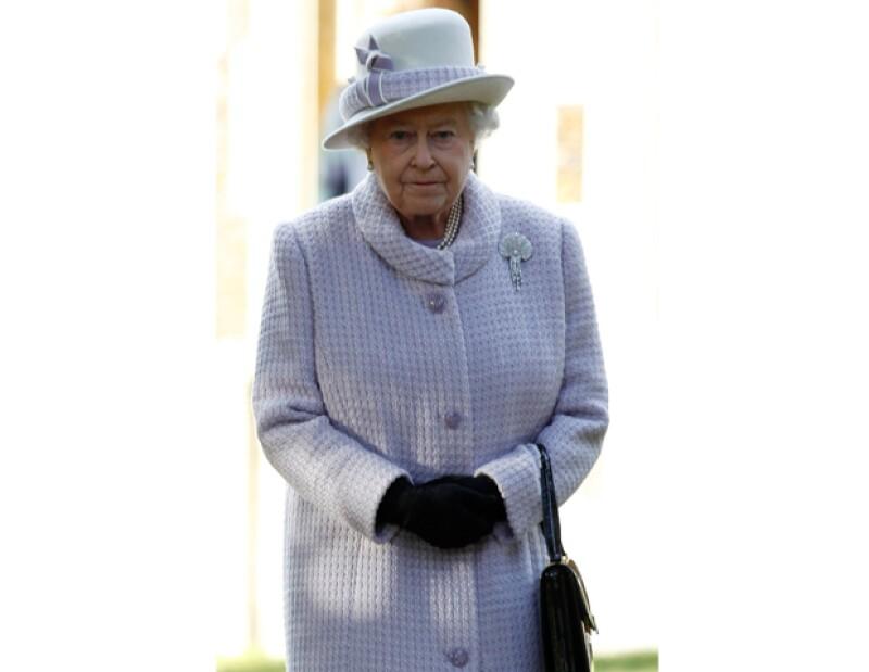 La reina Isabel II y su familia protagonizarán un lujoso desfile a lo largo del río Támesis el próximo 3 de junio, para conmemorar el 60 aniversario de la llegada al trono de la actual soberana.