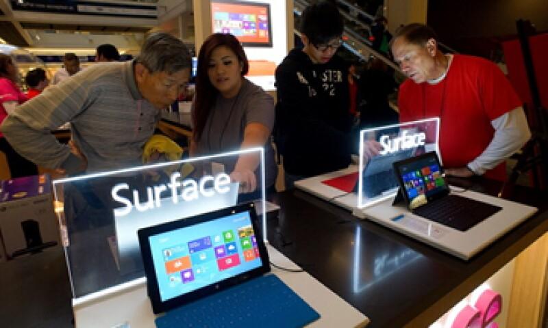 Microsoft tuvo una pérdida de 900 mdd en 2013 por las pobres ventas de la Surface RT, la única con Windows RT. (Foto: Getty Images)