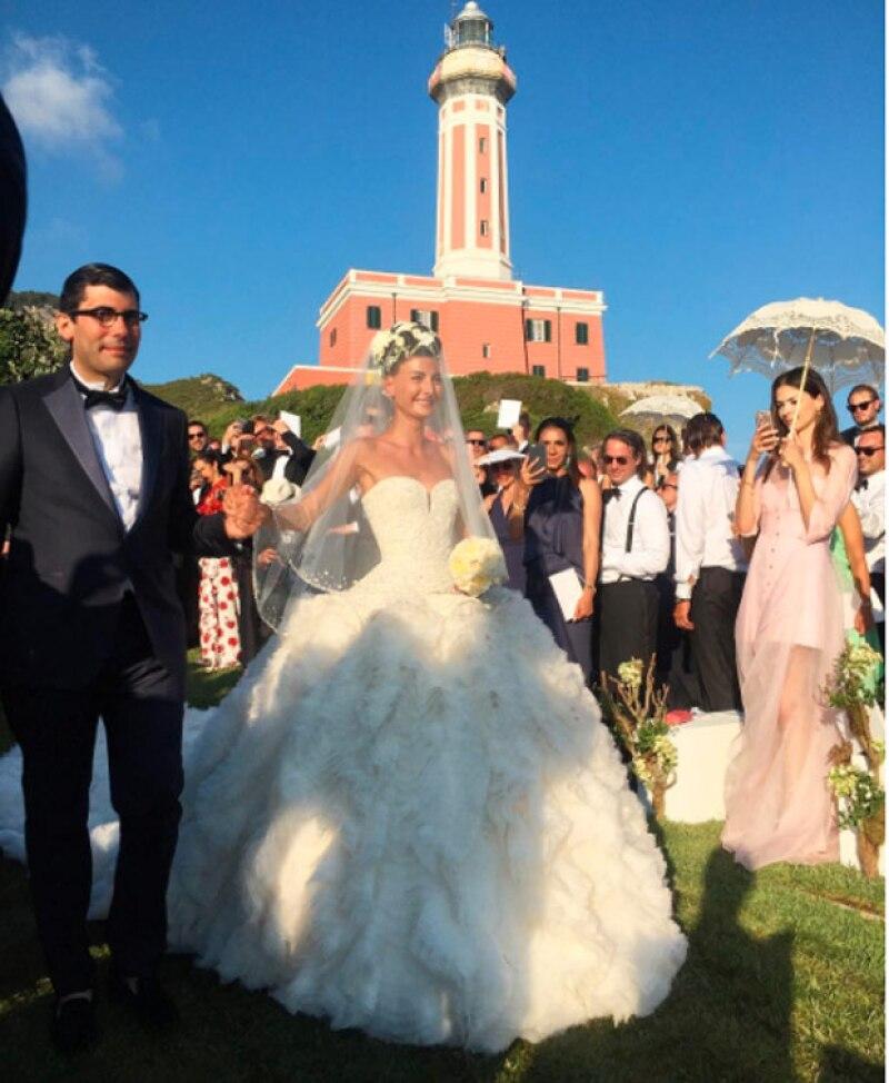 La también editora de W Magazine, Giovanna Battaglia, se casó este fin de semana en Capri en una fiesta que duró tres días y que contó con los invitados más top.