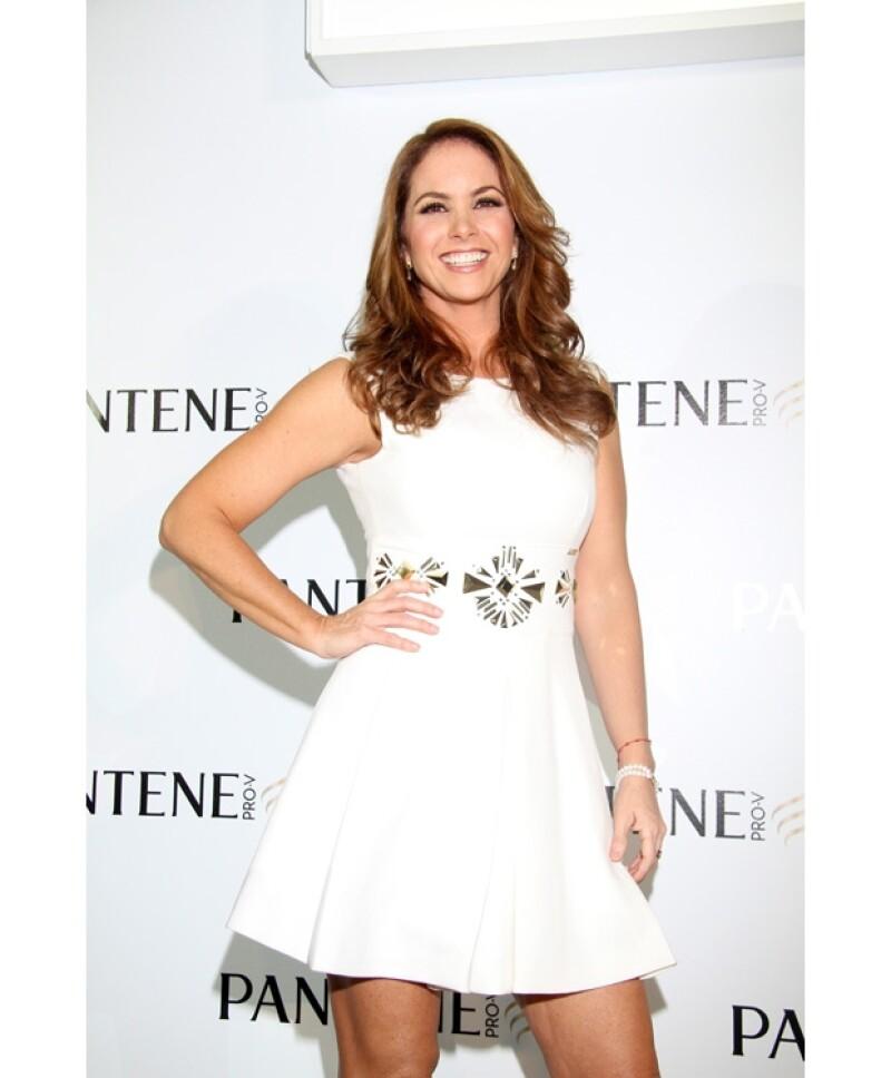 El departamento de comunicación de Pantene, informó que la publicidad de la cantante fue removida debido al fin de su contrato que concluyó el 31 de diciembre y no al escándalo de las fotos.
