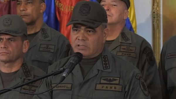 """Ejército venezolano declara """"obediencia, subordinación y lealtad"""" a Maduro"""