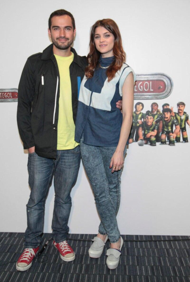 Otros artistas mexicanas que participaron con sus voces en la cinta son Poncho Herrera e Irene Azuela.