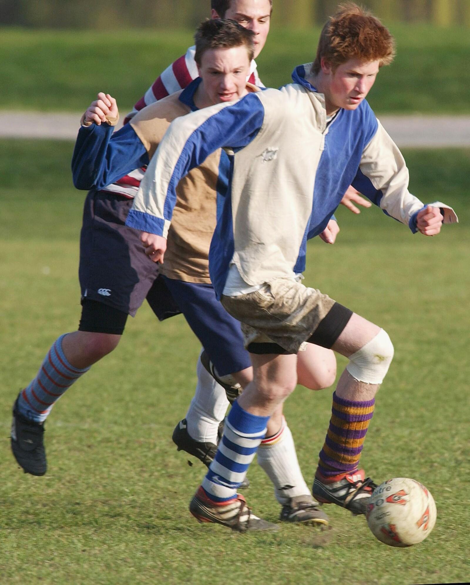 Harry en Eton, 2003