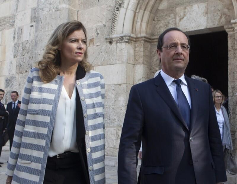 """François Hollande reconoció el martes que vive un momento """"doloroso"""" con su compañera Valérie Trierweiler, después de que la prensa revelara que tiene una affaire con una actriz."""