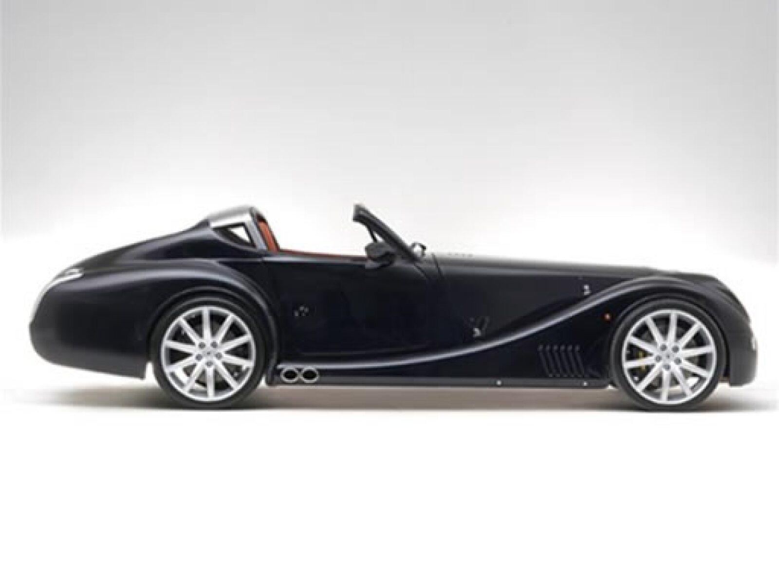 La lista de espera para un automóvil es de aproximadamente de uno a dos años. Tal fue la demanda del Coupe AeroMax, que Morgan ha tomado la decisión de producir el Aero Super Sports.