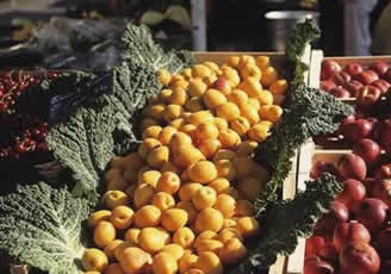 Un aumento menor en algunos vegetales limitó la alza de precios. (Foto: Jupiter Images)