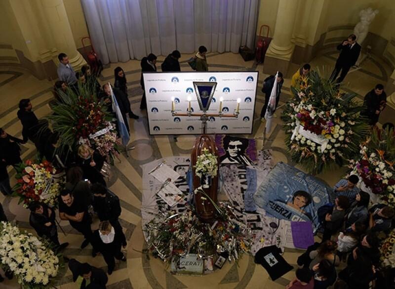 Gustavo Cerati fue despedid por fans y amigos.
