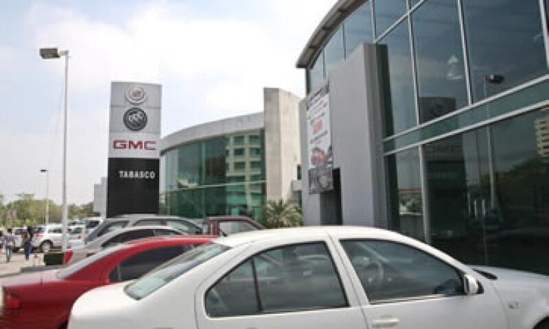 Una agencia automotriz de Tabasco; la Condusef dio a conocer las instituciones con más quejas en cuanto a créditos para comprar un carro (Foto: Cuartoscuro/Archivo )