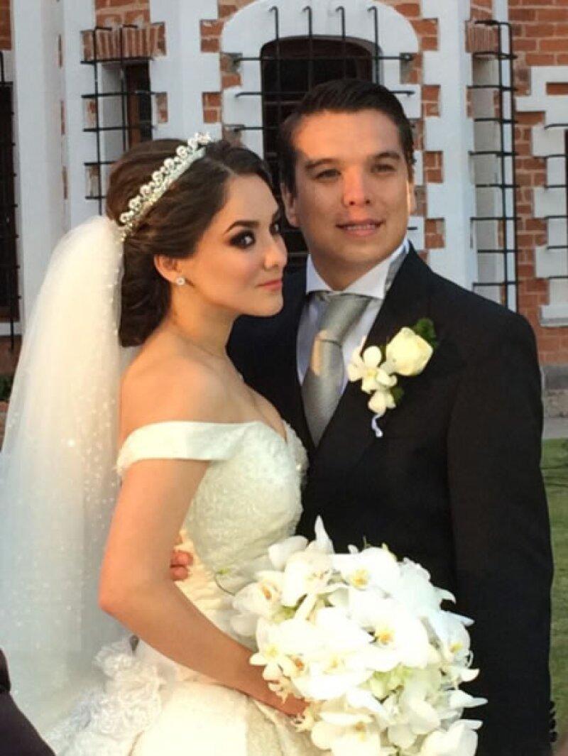 La actriz declaró en entrevista que ya firmó su divorcio del político mexicano, y aseguró estar disfrutando de regresar a la soltería.