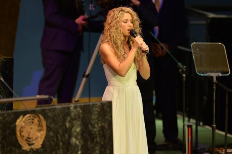 La cantante colombiana ofreció un sentido mensaje en la apertura de la Cumbre sobre Desarrollo Sostenible de las Naciones Unidas, luego de que el Papa Francisco hiciera acto de presencia.
