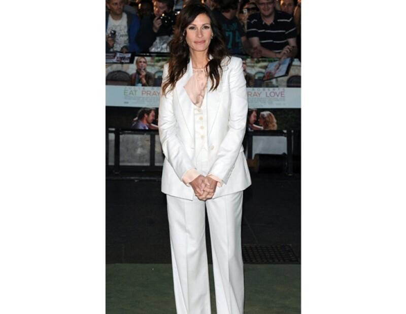 Julia Roberts: Esta gran actriz gusta de tejer para relajarse.