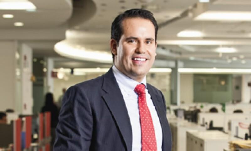 Salvador Merigo inició en GE como becario. Ahora, viaja por el mundo para tomar cursos de liderazgo (Foto: Mondaphoto / Alfredo Pelcastre)
