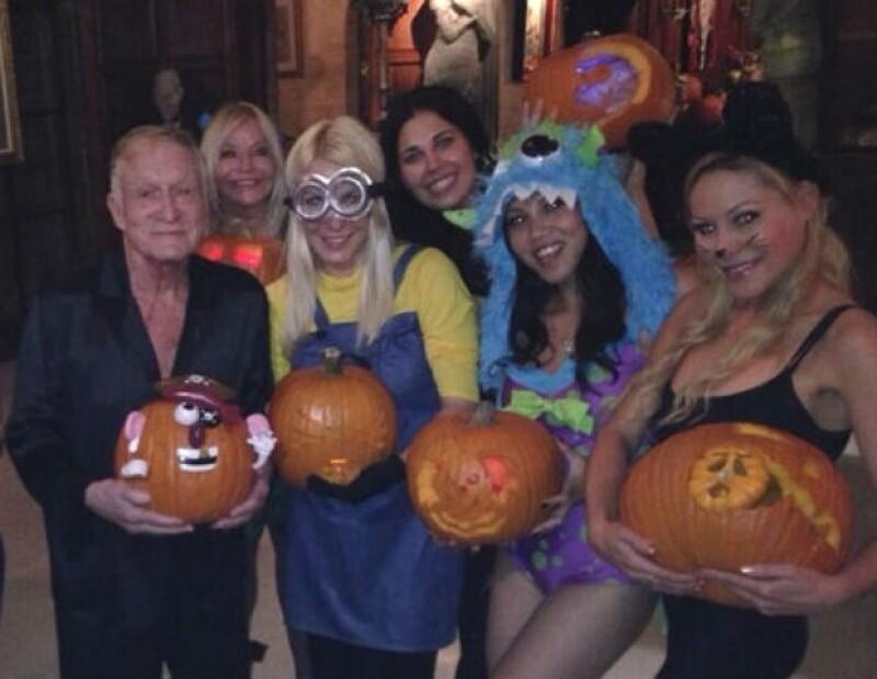Crystal y Hugh celebraron Halloween con una fiesta entre amigos.