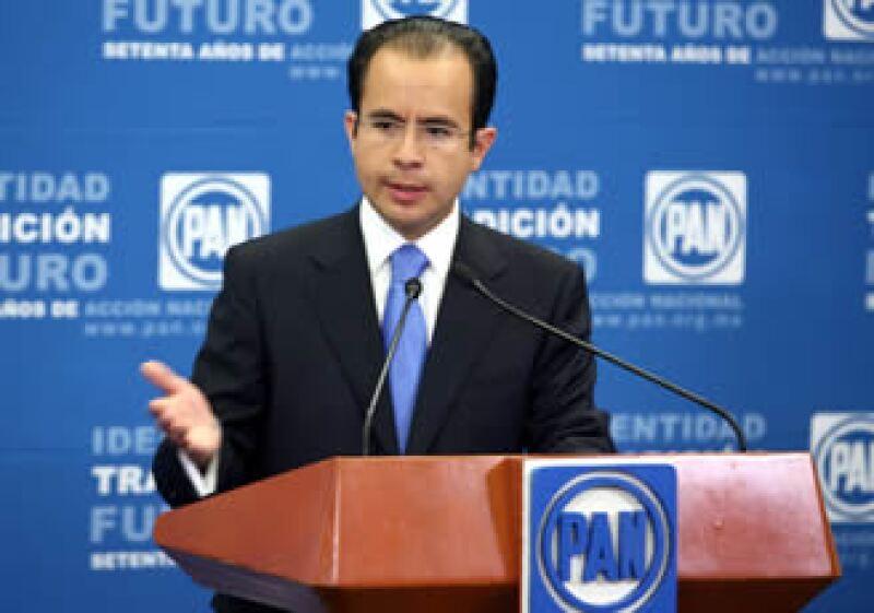 El partido liderado por César Nava buscará ajustar las medidas fiscales y apoya la reforma política del presidente Calderón. (Foto: Notimex)