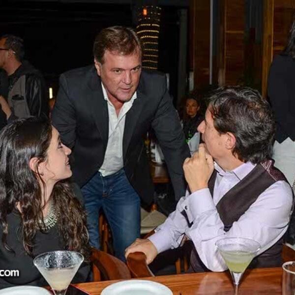 Kristel Padilla,Rene Strickler y Roberto Gómez.