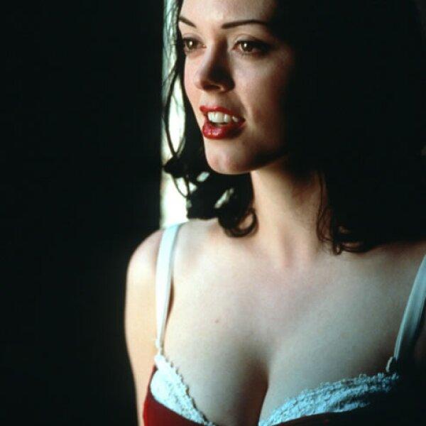 """""""Jawbreaker"""" es la película donde tres mujeres populares matan, sin querer, a la """"prom queen"""". Entre ellas destaca Courtney Alice Shayne (Rose McGowan) es justo a quien la broma se le salió de las manos."""