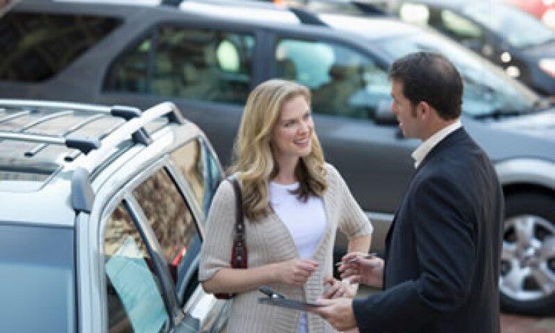 Se recomienda que la venta se cierre una vez visto y revisado el automóvil.  (Foto: Getty Images)
