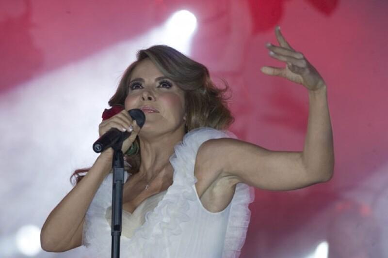 La cantante en su concierto de San Diego, pidió recordar a Jenni como una persona que disfrutaba cada día de su vida.