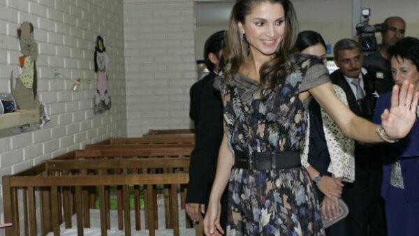 Además de ser considerada una de las mujeres más bellas en el mundo, la reina Rania quiere ser la representante de los musulmanes moderados en el planeta.