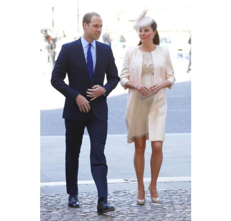 La llegada del primogénito de Kate y Guillermo, Duques de Cambridge, ha causado furor y según expertos, su nacimiento supone una fuerte derrama económica para el Reino Unido.